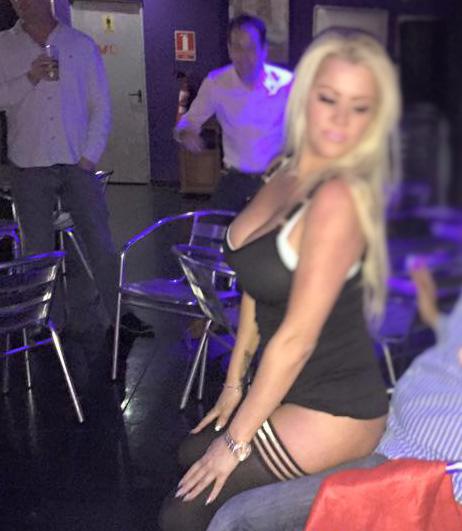 Jessica barton sexy lapdance - 1 1
